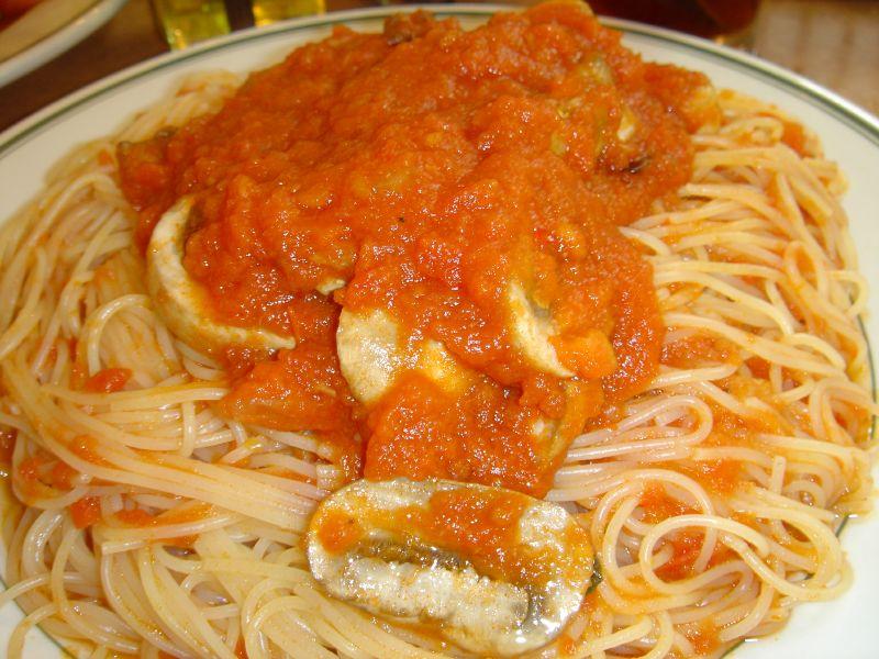 Capellini with Marinara Sauce and Mushrooms