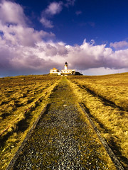 Neist Point Lighthouse, Skye (Corica) Tags: uk greatbritain lighthouse skye clouds scotland glendale britain wideangle ricoh corica neistpoint milovaig gx100