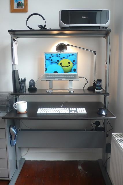office desk lifehacker declutter decluttered