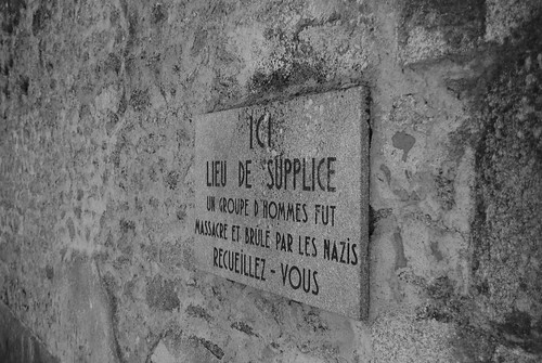 Commemorative plaque in Oradour sur Glane