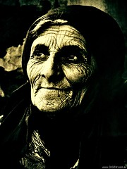 Doa Mara (DrGEN) Tags: old portrait bw woman white black byn blanco face sepia photo mujer eyes foto retrato maria father negro cara vieja pa ojos papa anciana viejo doa arrugas wpblog golddragon goldenvisions