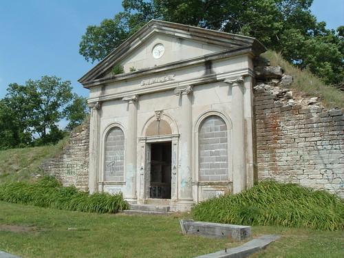 Miles Tomb