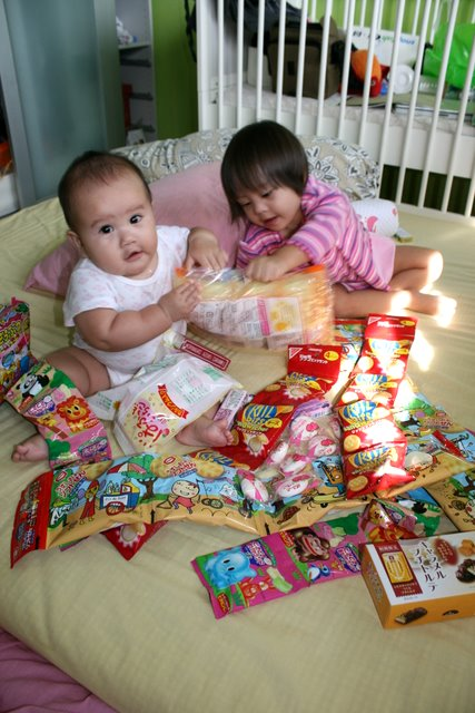 Jolie and Nadine with goodie bag snacks