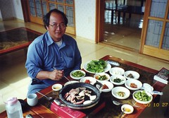IMG_0070 (shimmertje) Tags: autumn food fall temple restaurant photo 2000 korea scan korean kc shanlung taegu haeinsa kalbisal