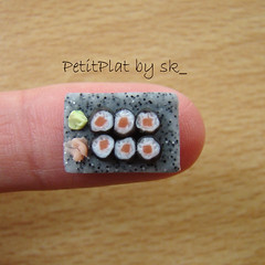Miniature Food Sushi! (PetitPlat - Stephanie Kilgast) Tags: food house cute scale sushi japanese miniatures miniature doll little handmade maki salmon polymerclay tiny nippon minifood sk collectible 112 japon nihon minis dollhouse petit plat oneinch fakefood dollshouse saumon oneinchscale petitplat minaituren stephaniekilgast