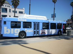 Santa Monica's Big Blue Bus (by: LA Wad/Chris, creative commons license)