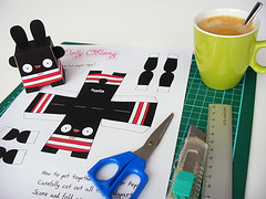 Paper Pepa! (Dolly Oblong) Tags: red white black cute bunny paper crazy pattern kawaii dolly template pepa papertoy dollyoblong
