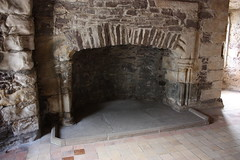 """Doune Castle • <a style=""""font-size:0.8em;"""" href=""""http://www.flickr.com/photos/62319355@N00/2832539385/"""" target=""""_blank"""">View on Flickr</a>"""