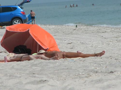 topless public nude beach nudity pics: nudebeach