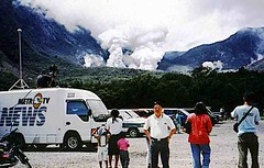 Papandayan volcano (Mangiwau) Tags: west field indonesia vent volcano java tv mas mud metro steam ash bandung gunung volcanic geothermal thermal api eruption baru chen surya venting boiling papandayan barat fumerole fumeroles kawah puloh