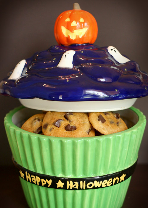 Halloween Cupcake Cookie Jar