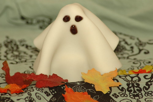 ghost cupcake! by kd bug.