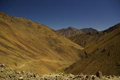 Azib Likemt to Amsouzerte (Alan Hilditch) Tags: mountains june morocco atlas peaks marruecos marokko 2007 marrocos moroc azib  almarib likemt amsouzerte
