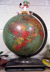 Yotsuglobe (hello_gina) Tags: globe yotsuba