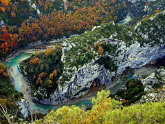 "Gorges du Verdon des del ""Balcon de la Mescla"" / Gorges du Verdon desde el ""Balcon de la Mescla"" / Gorges du Verdon from ""Balcon de la Mescla"" (Jordi Brió) Tags: autumn france fall rio alpes river landscape frança paisaje olympus canyon otoño belvedere provence gorges balcon francia soe var mirador verdon haute tardor riu paisatge cañon garganta e510 naturesfinest gorgesduverdon trigance lamescla jordibrio vosplusbellesphotos"