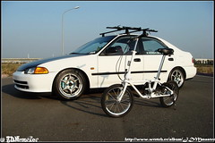 JDM HONDA CIVIC EG8 & DAHON III (shaolin_cool) Tags: sedan honda spoon civic rays sir jdm eg thule ferio advan eg9