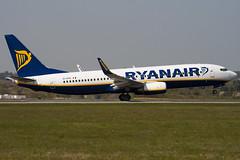 EI-DYE - 36568 - Ryanair - Boeing 737-8AS - Luton - 100423 - Steven Gray - IMG_0382