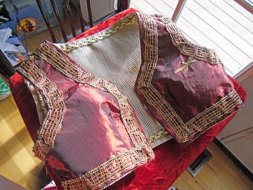 gypsy vest satin side 1