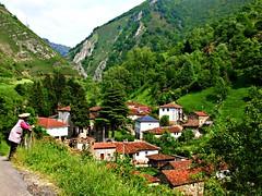 Reflexin (Jesus_l) Tags: espaa europa pueblo asturias oviedo montaa parquenaturaldesomiedo jesusl