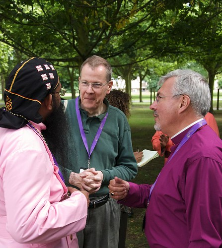 Bishops and ecumenical guests converse at afternoon tea. ACNS/Gunn