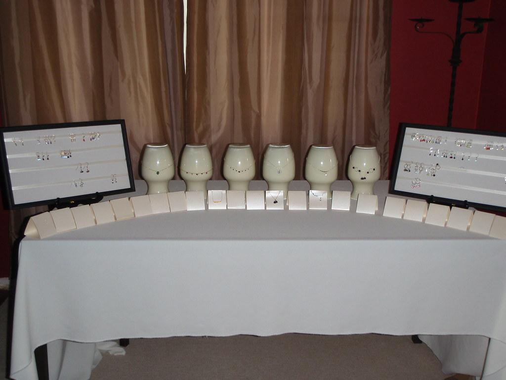 SandySimone Table set up