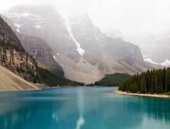 Moraine Lake (mahonyweb) Tags: lake canada beautiful landscape interestingness interesting explore alberta lakelouise lightroom banffnationalpark morainelake valleyofthetenpeaks canon1740l glaciallake top500 flickrexplore rockflour magicdonkey explorefrontpage canonllens canoneos1dsmarkiii canon1dsmarkiii