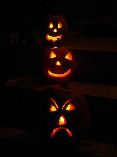 family jack-o-lanterns