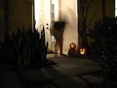 2008-10-31-Halloween-Ghost