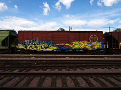 vibrant (TRUE 2 DEATH) Tags: california street railroad sky streetart art clouds train graffiti tag graf trains railcar spraypaint boxcar railways railfan freight villains able freighttrain rollingstock endtoend e2e benching freighttraingraffiti jrafe