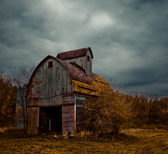 Wisconsin Rurality (Loren Zemlicka) Tags: old autumn roof fall wisconsin barn rural canon midwest farm country 5d weathered 2008 canonef1740mmf4lusm canoneos5d flickrexplore flickrfrontpage lorenzemlicka