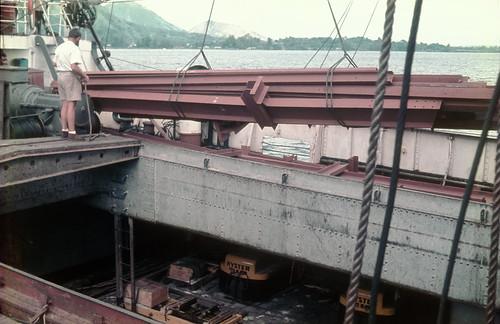 040-1Rabaul steel discharge 02