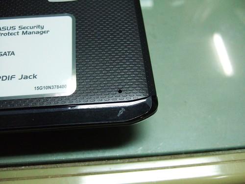 ASUS F6V 麥克風收音口