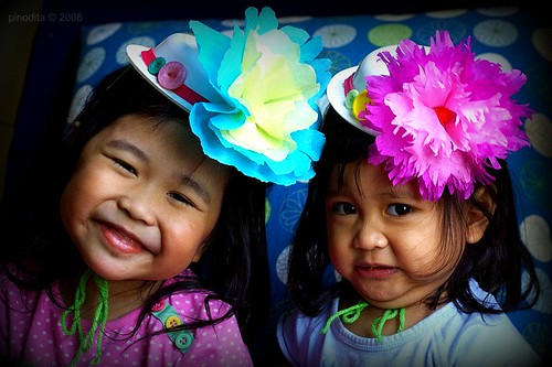 Crafting with Kids : Plastic Bowl Hat with Paper Flower