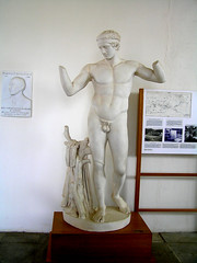 Greece - Archaeological Museum of Delos (Chris&Steve) Tags: archaeology museum greece 2008 rb cyclades delos greekart greekisles greekisland ellda  polykleitos hells dhilos hellenicrepublic 10millionphotos 1stcenturybc diadoumenos delosisland    archaeologicalmuseumofdelos 430bc ellnikdmokrata elinikiimokratia