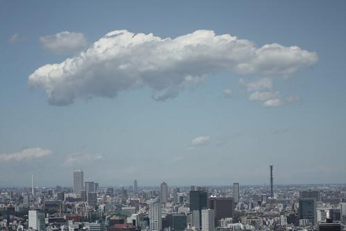 宇宙戦艦みたいな雲