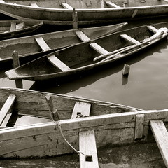 Pirogues (DIDS') Tags: africa travel blackandwhite lake water square boat pirogue bnin 500x500 ganvi dids flickrchallengegroup flickrchallengewinner winner500 carrfranais
