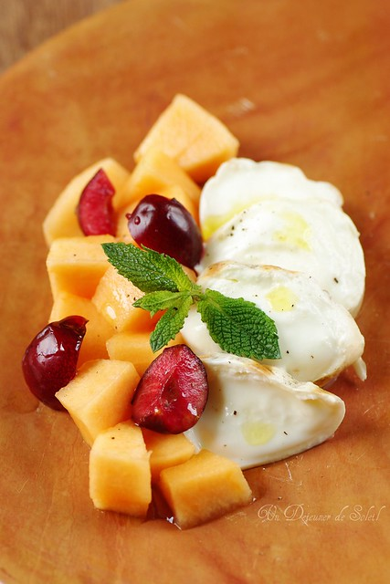 Melon, cherries and smoked mozzarella