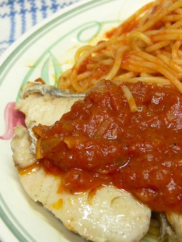 さわらのソテー トマトソーススパゲティ添え