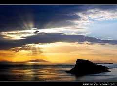 UK - Scotland - Isle of Skye - Sunset at far end of Europe ( Lucie Debelkova / www.luciedebelkova.com) Tags: ocean trip sea vacation sun mer seascape tourism sol praia beach nature water beautiful strand wonderful landscape outdoors coast scotland soleil mar seaside fantastic agua scenery meer wasser europe mare mood view isleofskye unitedkingdom awesome natureza shoreline scenic natuur atmosphere playa paisaje zee paisagem atlantic coastal shore stunning vista coastline outlook sole overlook paysage exploration incredible landschaft sonne plage zon spiaggia breathtaking paesaggio atlantico waterscape atlantik atlantique ocan edgeoftheworld evropa wildnerness magiclight dramaticlight breathtakinglandscape lpbeach