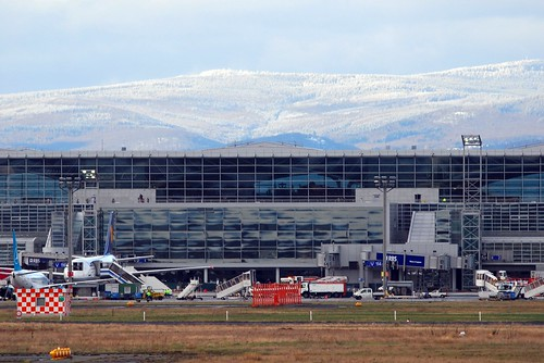 Frankfurt Airport Scenery with Taunus and Feldberg (12680)