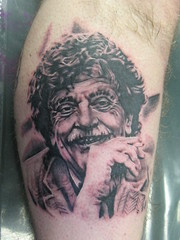 Kurt Vonnegut (Mez Love) Tags: tom cigarette leg tattoos portrat kurtvonnegut totaleclipse mezlove tattooboogaloo
