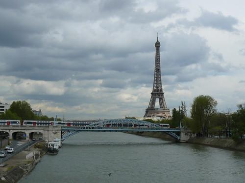 Ciel parisien vu du pont de Beaugrenelle
