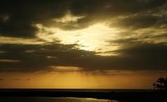 Tenerife.. (Fjola Dogg) Tags: © fjoladogg theunforgettablepictures superbmasterpiece tenerife sunset sky sun sea thegoldproject theunforgettablephotographer flickrbestpics coucherdesoleil solnedgang שקיעתהשמש zonsondergang tramonto occasus zachódsłońca закат puestadelsol günbatımı sonnenuntergang أيسلندا ісландыя 冰岛 冰島 ijsland islanti lislande ისლანდიის ισλανδία આઇસલેન્ડ איסלנד islann आइसलैंड izland aníoslainn islanda アイス ಐಸ್ಲ್ಯಾಂಡ್ 아이슬란드 islandia islande исланд ایسلند islândia исландия ไอซ์แลนด์ izlanda gwladyriâ יסעלאַנד