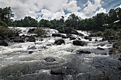 (RCM273TH) Tags: water river waterfall rocks cs2 canoneos10d sigma rapids laos 1770 pdrlaos tadlo salavan