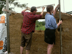 leveling-joists (The Year of Mud) Tags: cob ecovillage naturalbuilding dancingrabbit