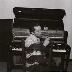 Jerry Lee Lewis - 1975 (terr-bo) Tags: musician music cool country piano cigar 1975 honkytonk jerryleelewis thekiller