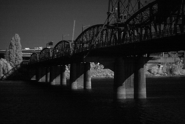 hawthorne bridge, infrared