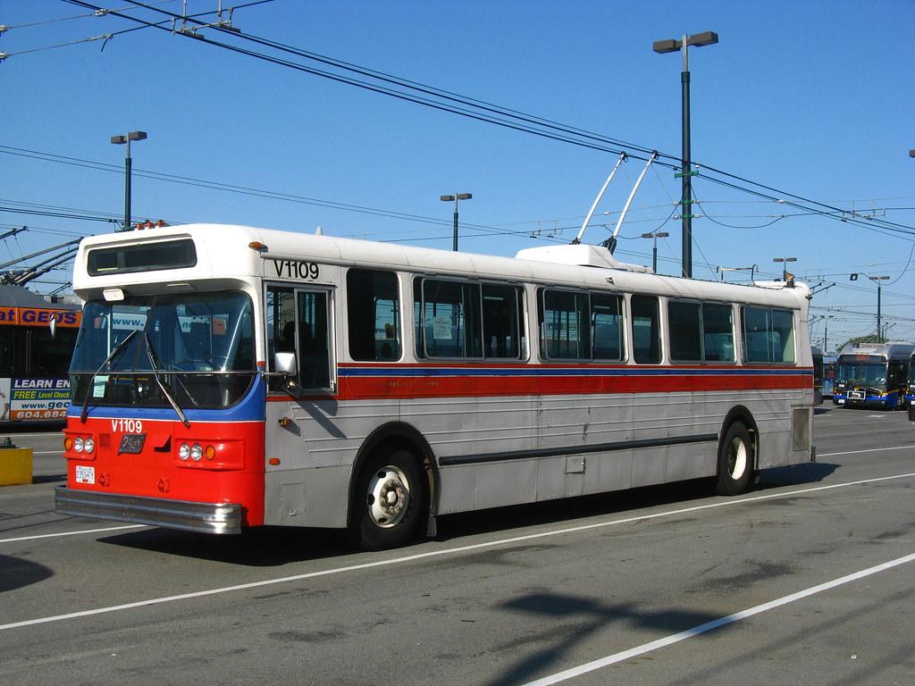 1109 (front-left)
