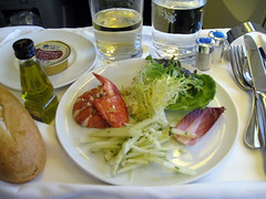 Air France / Business class appetizers () Tags: ca vacation holiday canada bread salad wine starter bacchus olives oil lobster vin boeing saskatchewan oliveoil hummer appetizers rtw tablesetting placesetting kreeft airplanefood 747 whiteplate vacanze frenchbread vino airfrance 2007 wein b747 foodie 1933 747400 businessclass roundtheworld homard globetrotter corbieres horsdoeuvre salata horderves horsdoeuvres 083 orderves worldtraveler worldbusinessclass skyteam dinnersetting flickrsbest dinningtable pittedolives lespaceaffaires seatbacktray  domainedevillemajou villemajou   seatbacktable