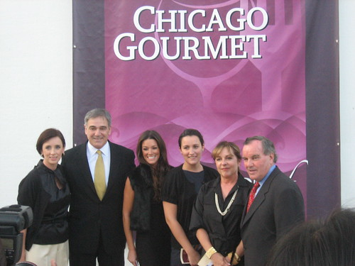 Mayor Daley and host committee members